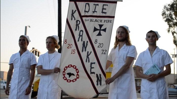 2die-Kranken_Black-Pipe-Intervention_002